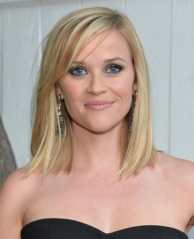Medium Choppy Hairstyles With Bangs And Blonde Highlights