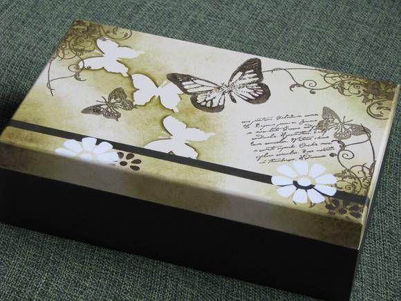 Caixa de Maquiagem com espelho pintada à mão. R$ 54,00