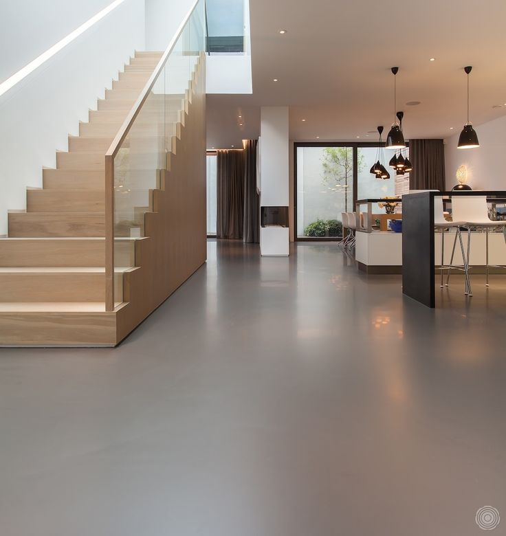 Beautiful resin flooring. Love the matte finish.