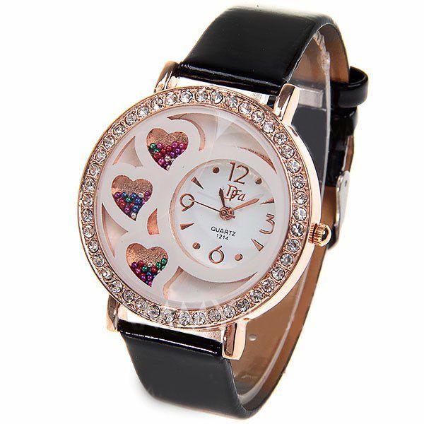 Reloj 3 corazones con cristales y correas de ecocuero negras.  $8.990