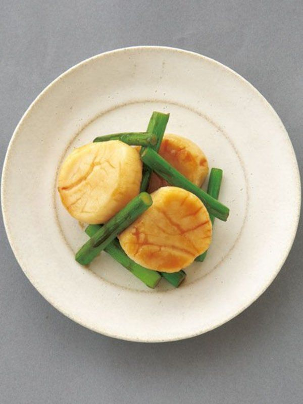【ELLE a table】帆立のにんにくオイスターソテーレシピ|エル・オンライン