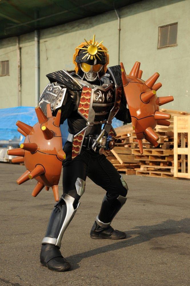 平成仮面ライダーシリーズに関連する映像作品に登場した仮面ライダー 変身フォーム 怪人 アイテムを解説 紹介しています 仮面ライダー 仮面ライダー鎧武 平成仮面ライダー