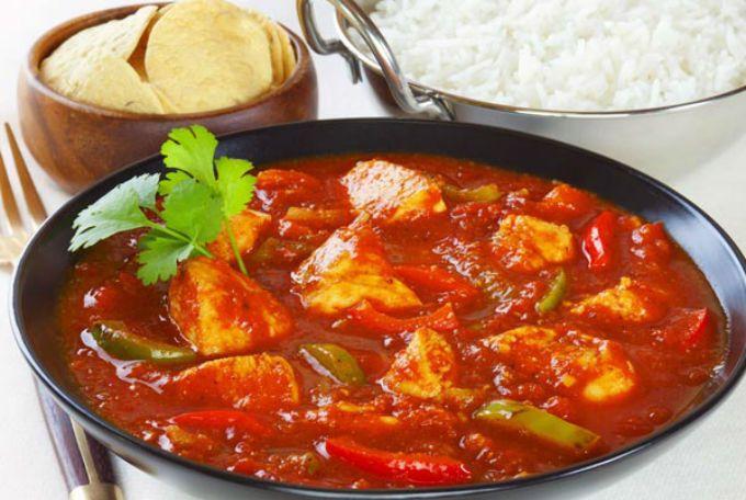 Paradicsomos csirkemell zöldbabbal, csodás és ínyenc étel! Ha nem vagy konyhatündér akkor is meg tudod főzni :)