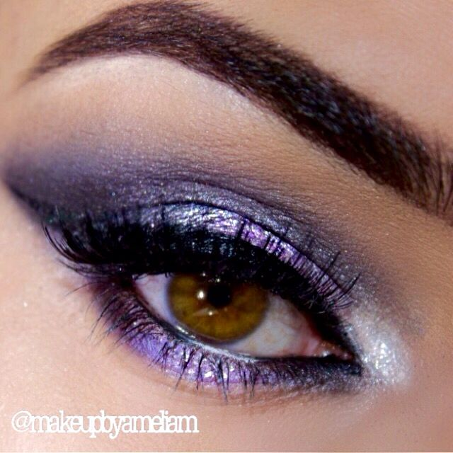 ✨✨ Brows- @anastasiabeverlyhills pomade in chocolate. Outer crease @makeupgeekcosmetics frappè & cocoa bear. Inner crease @morphebrushes palette 35B dark purple and @makeupgeekcosmetics shadows in 'drama queen' and 'corrupt'. Inner corner @colourpopcosmetics in tassel. Glitter - @shopvioletvoss in Parker. Water line - @inglot_australia in 76 &77. Lashes - @houseoflashes #anastasiabrows #anastasiabeverlyhills #vegas_nay #lillyghalichi #glitter #shopvioletvoss #shoutoutmakeup #makeup #makeupby
