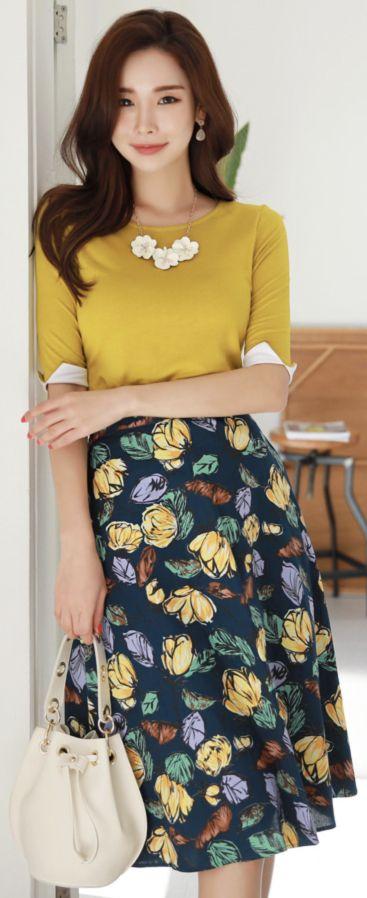 StyleOnme_Leaf Print Midi Flared Skirt #floral #skirt #flared #feminine #koreanfashion #kstyle #kfashion #springtrend #dailylook