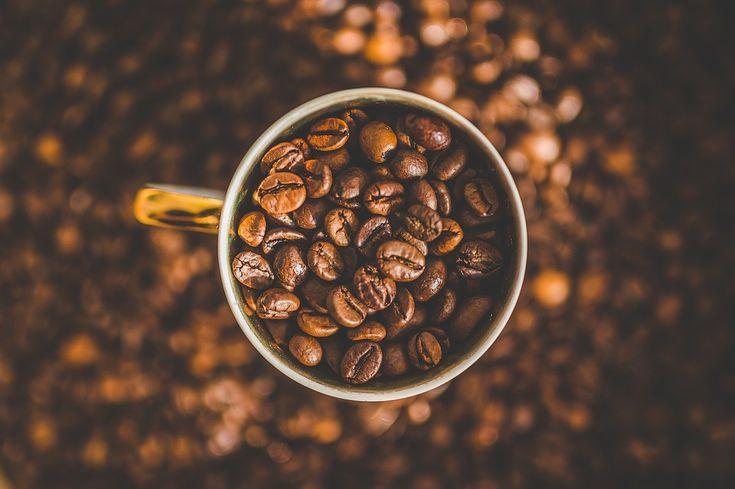 Rodzaje kawy: kapsułki i saszetki do ekspresu