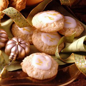 Frosted Lemon Cookies by landolakes: Refreshing, crisp and tender. #Cookies #Lemon_Cookies #landolakes