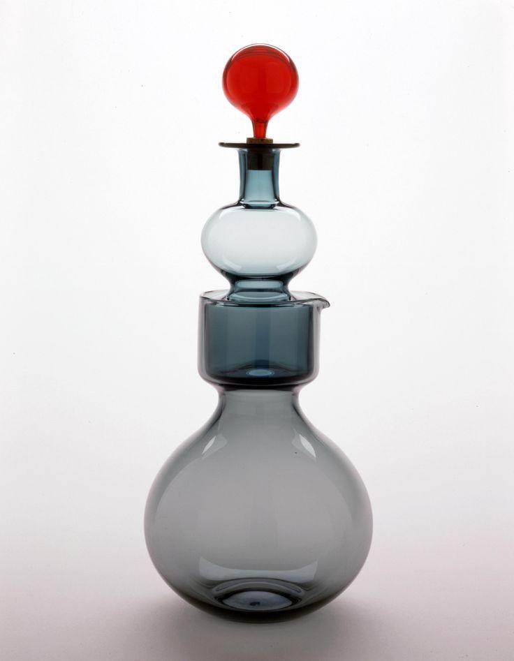 Kaj Franck (1911–1989) Kremlin Bells decanter, model nr.1500. Manufactured by Nuutajärvi-Notsjö, Finland. Designed c. 1957, made 1962. / The Houston Museum of Fine Arts