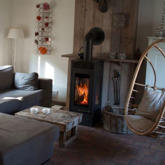 Le Vieux Moulin, de oude watermolen, is een luxe 5-persoons vakantiehuis net over de grens bij Maastricht. Hottub, sauna, houtkachel, sfeervolle inrichting