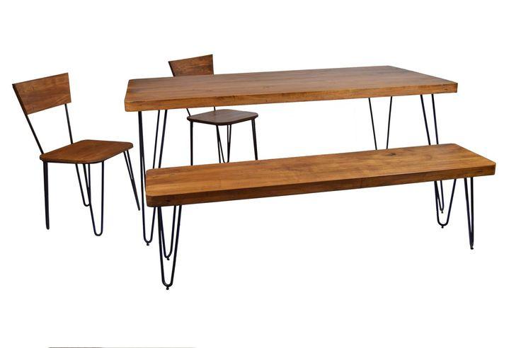 Mid Century Design für eine lebendige Küche oder Esszimmer! Das Holz mit der eleganten Maserung überzeugt mit enormer Widerstandsfähigkeit – drinnen wie draußen. Hinzu kommt der helle, edle Look und ein wunderbar natürlicher Ton....