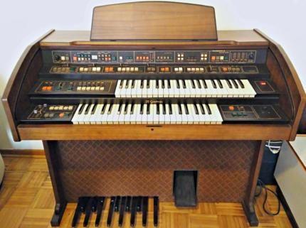 verschenke godwin orgel sc 95 mit drummaker 32 in niedersachsen braunschweig. Black Bedroom Furniture Sets. Home Design Ideas