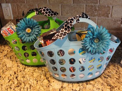 End-of-the-Year Survival Kits for teacher gifts. How cute are these! I would love one!