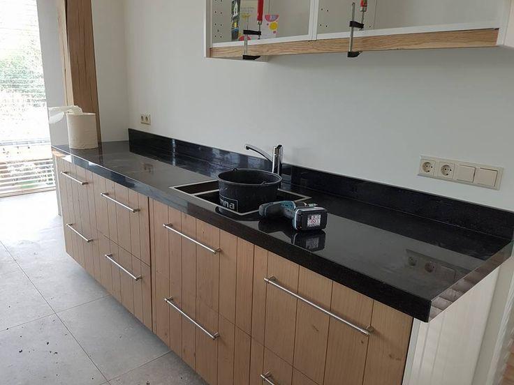 Zwart natuurstenen blad voor ikea keukens. In elke maat leverbaar.