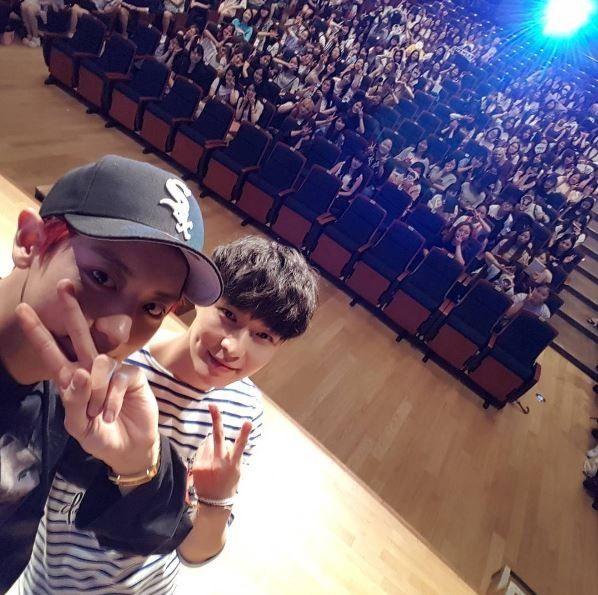 Chinese fans spend exorbitant amount on Chanyeol's birthday | Koogle TV