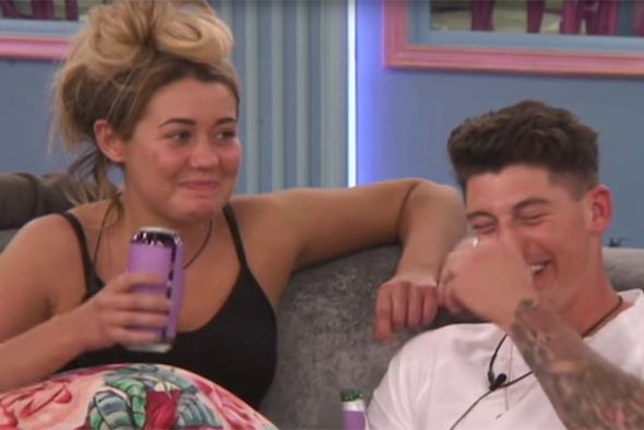 Big Brother 2017: Chanelle McCleary EXPLODES at Ellie Young over X-Rated Sam Chaloner bomb - https://buzznews.co.uk/big-brother-2017-chanelle-mccleary-explodes-at-ellie-young-over-x-rated-sam-chaloner-bomb -