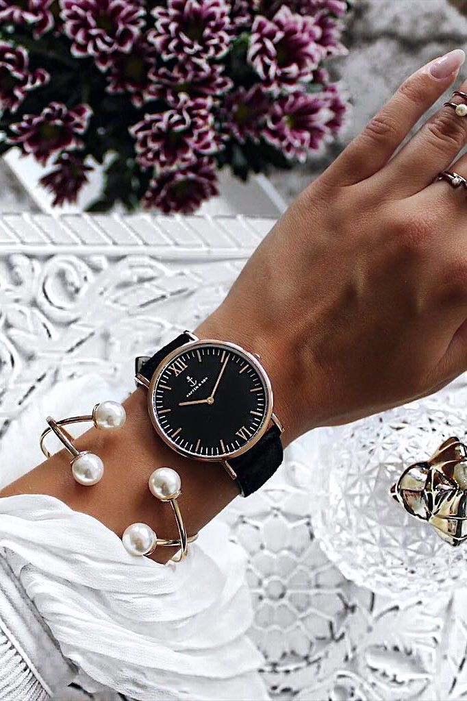 all black watch for her | special gift | minimalism, classy chic | the watch with the anchor | perfect for all black outfits | matches all colors | Campus All Black by Kapten & Son | picture by karinardt