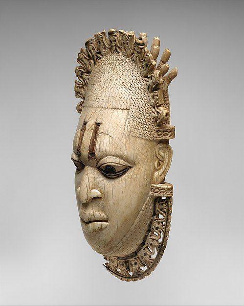 Подвес - маска Королева-мать. Нигерия, Бенин, 16-й век