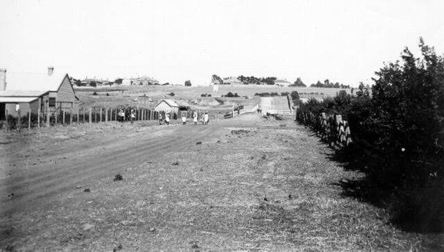 Albion St,Brunswick in Victoria, pre WW1,looking toward Essendon.