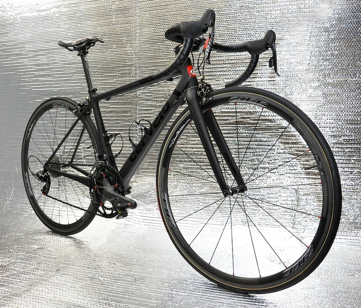 Limited edition Cervelo R5CA with precision handcrafted Zipp 202 tubular wheels with Dash Hubs. Sub 12 pound