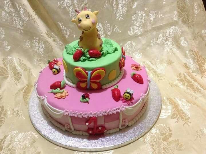 I colori della natura e il colore rosa delle preincipesse uniti in una torta per bambine....