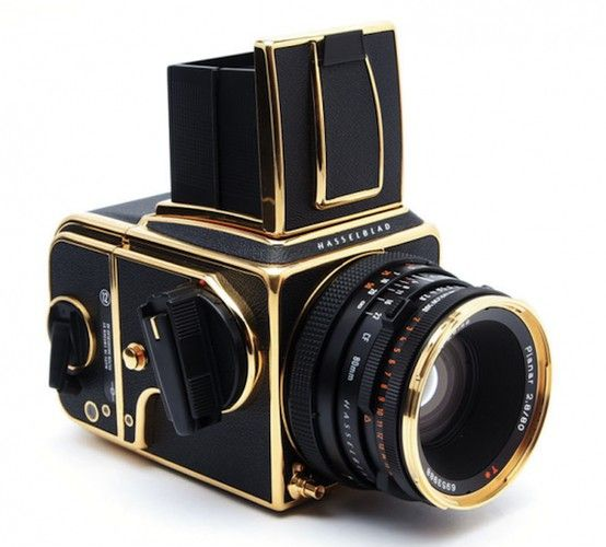 hasselblad.: Old Camera, Blackgold, Vintage Camera, 30Th Anniversaries, Black Gold, Reflex Camera, Digital Camera, Bling Bling, 30 Years