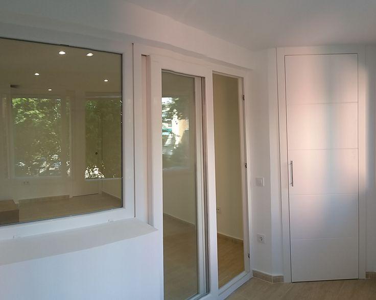 Carpintería PVC, color blanco.