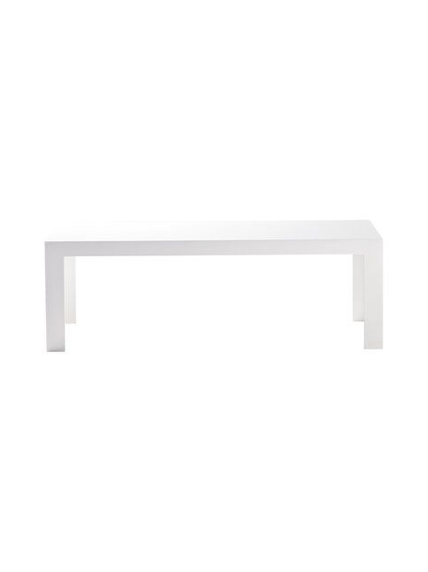 Tokujin Yoshiokan suunnittelema linjakas pöytä sopii vaativankin sisustajan makuun. Materiaali on kestävää akryylia. Mitat ovat 120 x 40 x 40 cm.