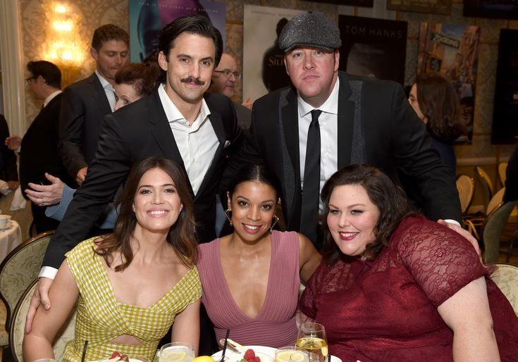 Mandy Moore, Milo Ventimiglia, Susan Kelechi Watson, Chrissy Metz, and Chris Sullivan - Click to expand