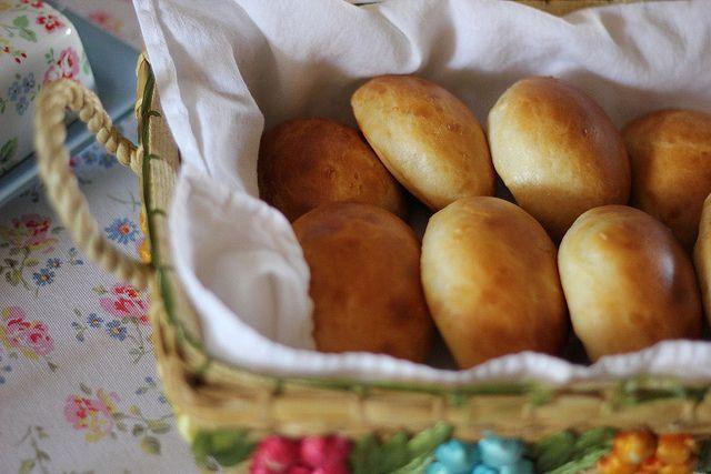 Paezinhos de Leite – Portuguese Milk Rolls | Full Bellies Make Happy Kids