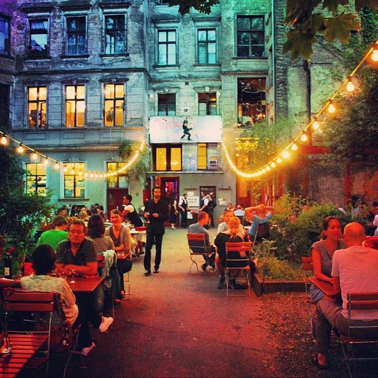 Clärchens Ballhaus - Wohl Berlins ältestes Tanzlokal.