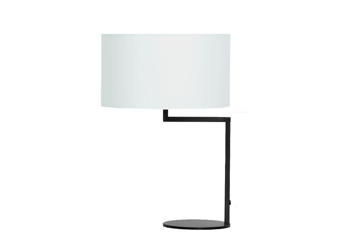 Zeitraum Neat Noon. Een tafellamp voorzien van een gestoffeerde lampenkap en is te verkrijgen in drie kleuren: wit, zwart en grijs. www.meinema.nl