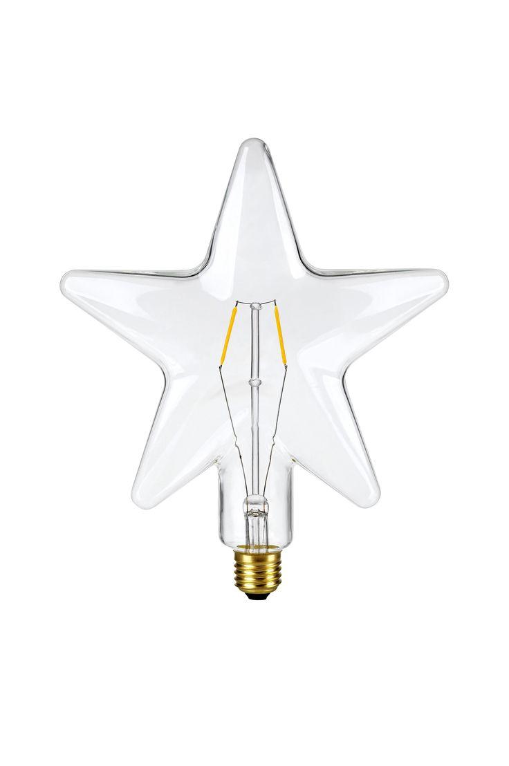 Starbulb, stjärnformad reservlampa från Markslöjd. LED med varmvitt ljus, 0,5W 10 lumen. Stor (E27) fattning. Bredd 22 djup 6,5 höjd 24 cm.