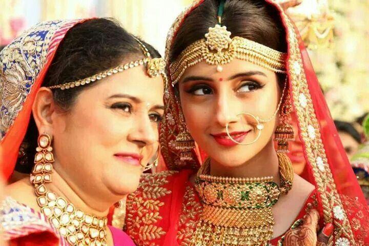 Pretty Indian Bride. Loved her matha patti !