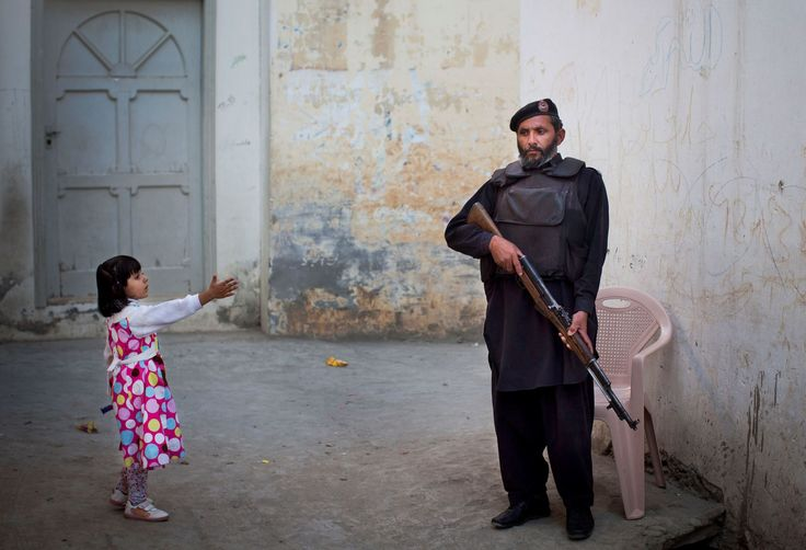 Las niñas paquistaníes luchan por su educación