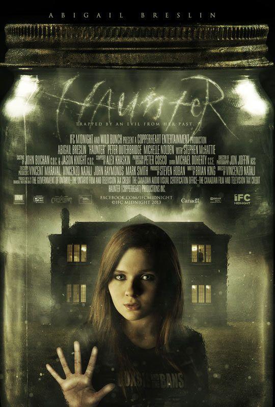 Haunter réalisé par Vincenzo Natali (Cube, Splice). Je suis très déçue. Le réalisateur vaut mieux que ce film de fantômes médiocre.