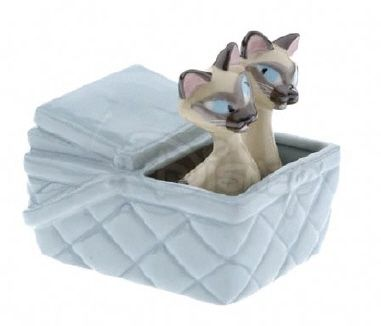 DISNEY'S SI AND AM IN BASKET FROM LADY AND THE TRAMP LE S SHAKERS