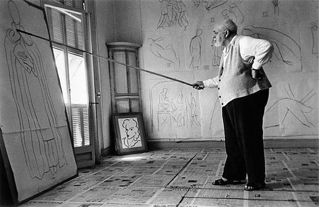 Henri Matisse Drawing Sketches for the Murals of the Chapelle des Dominicains, France, 1950 / Photography by Robert Capa (1913-1954)