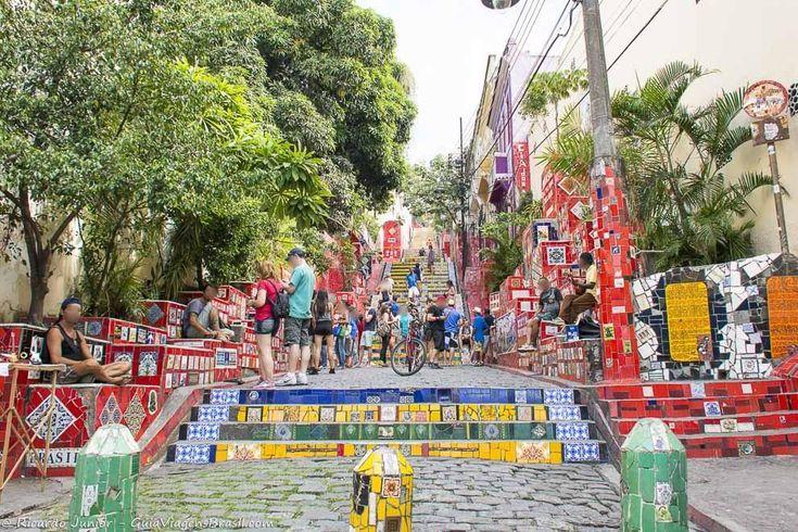 A famosa escadaria em Santa Tereza, no Rio de Janeiro. Fotos de Ricardo Junior / www.ricardojuniorfotografias.com.br