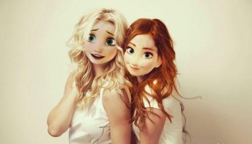 Les 2 sœurs de La Reine des Neiges.