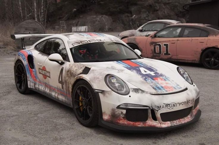 Porsche 911 RS3 Martini Racing worn-out finish