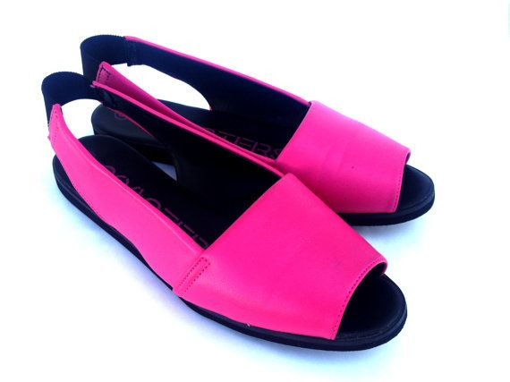 Bright Pink Coasters Peep Toe Sandals size 8 by RubysKisses