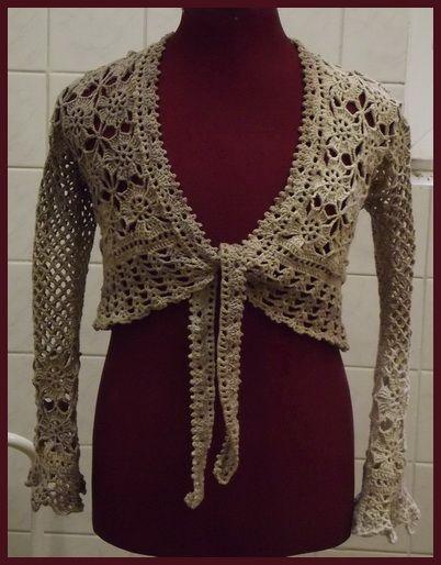 Ha jobban belegondolok, nem csak nyáron szeretek bolerót és mellényt hordani, de ezek a darabok mostanában készültek és így most kezdtem nyűni őket...                                                                      Megjegyzés:Az első modellt a Jolanda - Kötött és horgolt divat…
