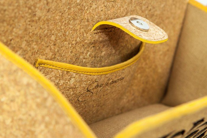 Inside detail of #Ecochic handbag Farfalle. The #bag is made with #recycled #cork and #paper, resistant and waterproof. Handmade in Italy.