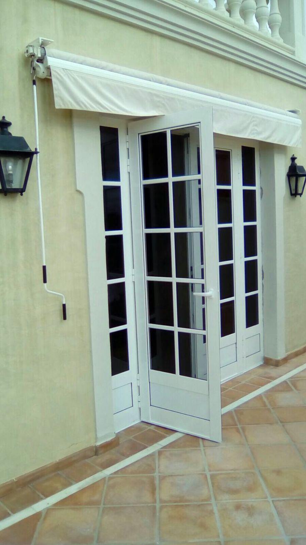 17 mejores ideas sobre ventanas de aluminio blanco en for Puertas acristaladas correderas
