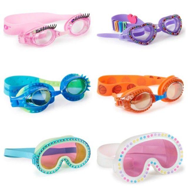 how to put on swim goggles