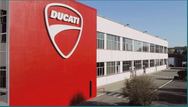 The Italian motorcycle manufacturer remains of the German group, Also at the request of workers There Ducati remains of the Volkswagen Group. The motorcycle manufacturer Ducati Purchased in 2012 and controlled by Audi is not for sale, and this is what he would have said lad Claudio Domenicali, Ducati employees.   #Actuality #autonews #autonewseurope #Automarket #Automotive #automotivenew #automotivenews #automotivenewseurope #Carnews #europecarnews #HomeNews #motorcycle #V