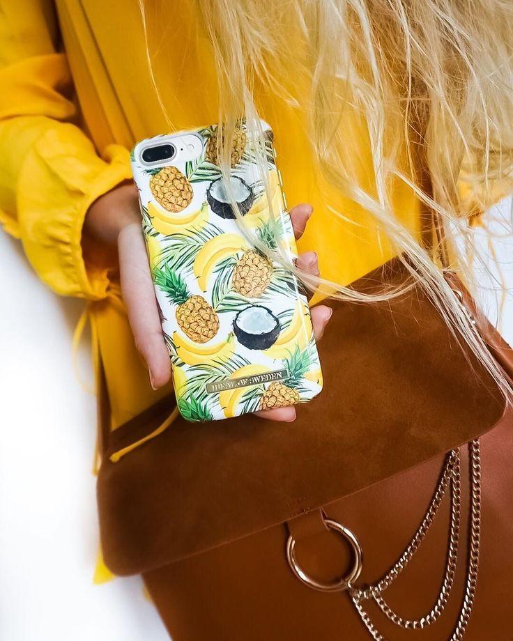 Fashion case Banana Coconut - pic by: @emiliaferm #idealofsweden #summer #summerinspo