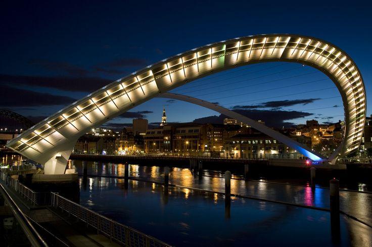 As pontes urbanas mais incríveis do mundo - The Gateshead Millenium Bridge (Newcastle, Inglaterra)