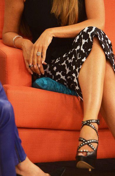 Sofia Vergara Photos Photos - Sofia Vergara is on the set of Despierta America at Univision Studios on February 26, 2015 in Miami, Florida. - Stars Visit 'Despierta America'