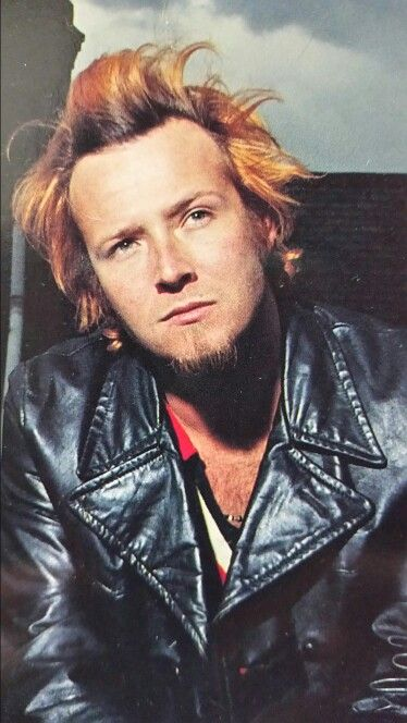 Scott Weiland (born Scott Richard Kline; October 27, 1967 – December 3, 2015) was an American musician, singer and songwriter. During a career spanning three decades, Weiland was best known as the lead singer of the band Stone Temple Pilots from 1989 to 2013, as well as the supergroup Velvet Revolver from 2003 to 2008. He also established himself as a solo artist, releasing two studio albums, two cover albums, a live album and collaborations with several other musicians.